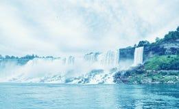 尼亚加拉瀑布,在夏季的美妙的自然风景 库存照片