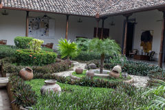 从尼加拉瓜的房子的殖民地庭院 免版税库存照片
