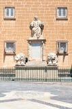 尼古拉斯Zammit纪念雕象在Vallette 马耳他 免版税库存图片