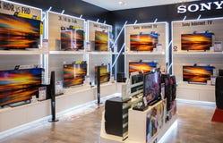 索尼在泰国模范的电视显示在曼谷 索尼是其中一位电子产品主要制造商消费者的a 免版税库存照片