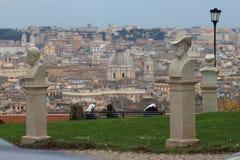 尼姑在罗马 免版税库存图片