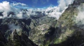 尼姑谷全景在马德拉岛葡萄牙 库存图片