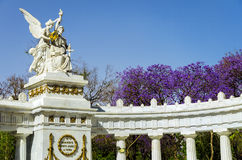 贝尼托华雷斯纪念碑 免版税库存照片