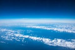尼斯云彩形成阿里埃勒视图  免版税库存照片