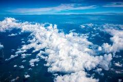尼斯云彩形成阿里埃勒视图  库存图片