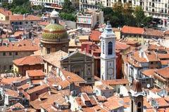 尼斯大教堂塔和圆顶在法国 免版税库存图片