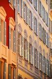 尼斯老镇建筑学法国海滨的 免版税库存图片