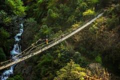 尼泊尔吊桥sherpa 免版税图库摄影