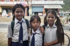 尼泊尔女小学生 库存照片