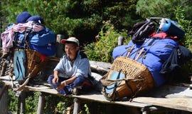 尼泊尔搬运程序其它采取 免版税库存图片