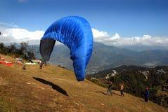 尼泊尔滑翔伞 免版税图库摄影