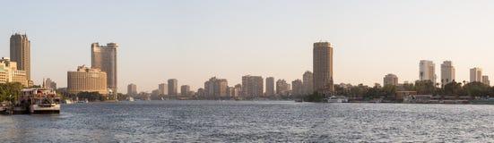 尼罗河和开罗地平线 免版税库存图片