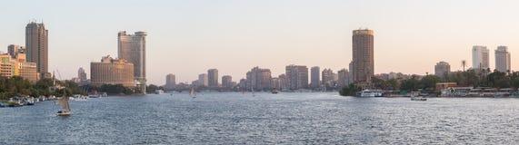 尼罗河和开罗地平线 免版税库存照片