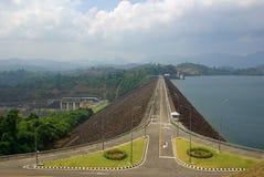 素叻他尼,泰国- 2014年1月19日:Ratchaprapha水坝在Kh 免版税库存图片