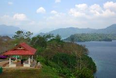 素叻他尼,泰国- 2014年1月19日:Ratchaprapha水坝在Kh 免版税库存照片