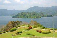 素叻他尼,泰国- 2014年1月19日:Ratchaprapha水坝在Kh 库存图片