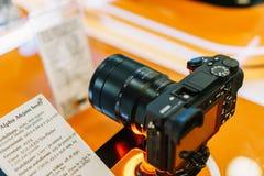 索尼a6500 Mirrorless互换性的透镜照相机 库存图片