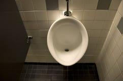 尿洗手间 免版税库存图片