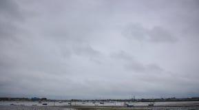 层云, Langstone港口,英国 免版税库存图片