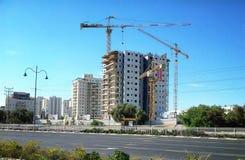 19层居民楼的建筑 免版税库存图片