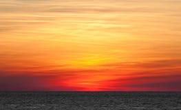 层状日落在基韦斯特岛,佛罗里达 图库摄影