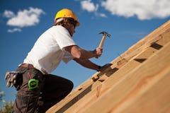 屋面防水工 库存照片
