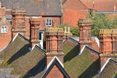 屋顶上面和烟囱 免版税库存图片