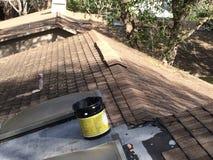 屋顶修理 免版税库存照片