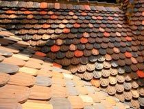 屋顶倾斜盖瓦 免版税库存照片
