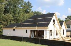 屋顶和议院建筑 免版税图库摄影