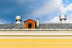 屋顶和顶楼窗口 库存图片