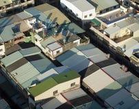 屋顶在一个拥挤城市 免版税库存图片