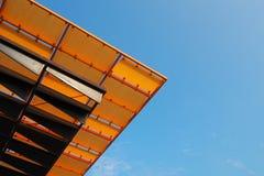屋顶大厦的门面 免版税图库摄影