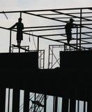 屋顶工作 免版税库存照片