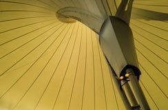 屋顶帐篷现代在停车处大厅 库存照片