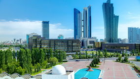 从屋顶的新的商业区timelapse在哈萨克斯坦的首都在阿斯塔纳 股票录像