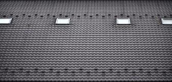 屋顶的纹理有屋顶的由金属制成,用下落盖由雨 几个单块玻璃窗口被修造入roo 免版税库存图片