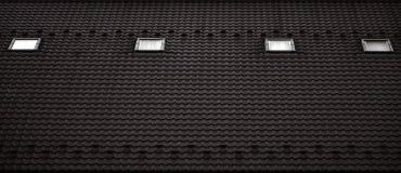 屋顶的纹理有屋顶的由金属制成,用下落盖由雨 几个单块玻璃窗口被修造入roo 免版税图库摄影