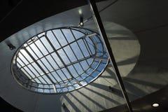 屋顶窗口椭圆建筑学细节  免版税图库摄影