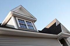 屋顶窗安置新的峰顶 免版税库存图片