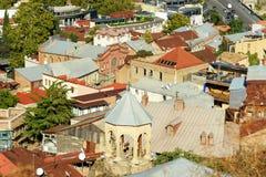 屋顶老城市第比利斯,乔治亚看法和churh  库存照片