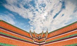 屋顶顶面泰国寺庙 库存照片