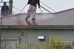 屋顶高压洗涤物  库存图片