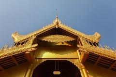 屋顶,曼德勒王宫,砂海螂南圣Kyaw细节  库存照片