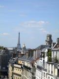 屋顶巴黎法国拉丁四分之一视图艾菲尔铁塔 免版税库存图片