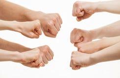 展示冲突的姿态的人的手 免版税库存照片