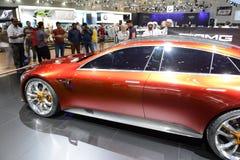 展示汽车默西迪丝AMG GT概念在迪拜汽车展示会2017年 库存图片