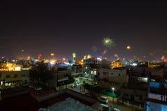 屠妖节烟花和中国灯笼在印度 库存图片