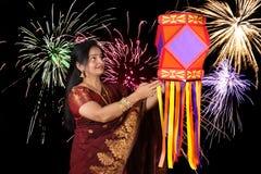 屠妖节的印度妇女 免版税库存照片