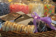 屠妖节篮和甜点 库存图片